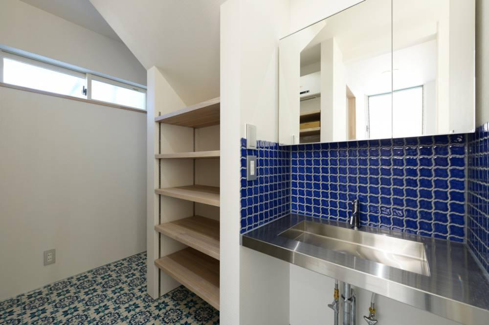 憧れはステンレスキッチンと無垢の床。これが私たちらしさ。