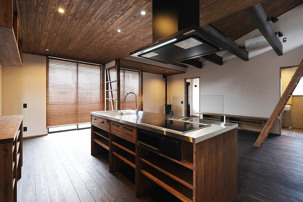 たっぷり自然素材と手づくりたっぷりの家。ペレットストーブのある平屋の住まい!